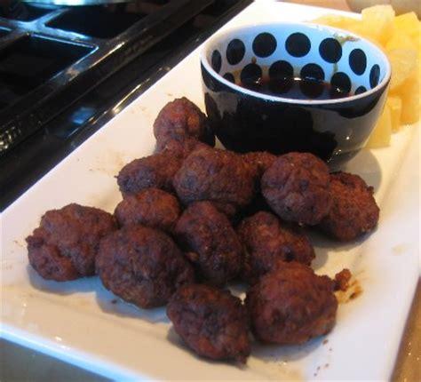 spanish mini meatballs  saffron sauce recipe albondigitas al azafran whats cooking america