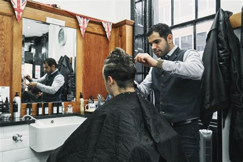 top mens hairdressers    barber nyc pall mall barbers