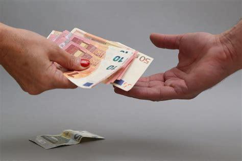 Valsts iestāde par 400 eiro
