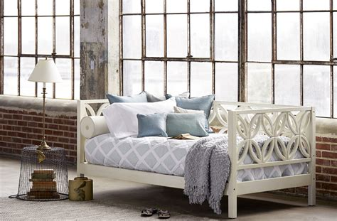 Pop Up Trundle Beds by 8 Dreamy Daybeds That Do Double Duty As Seating