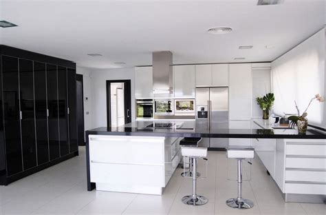 Floor Tile Ideas For Kitchen - black and white kitchens and their elements