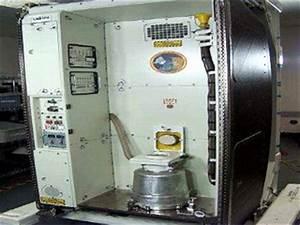 Space Station Toilet   www.pixshark.com - Images Galleries ...