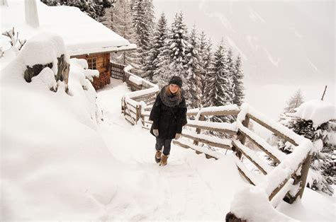 winter  den bergen almdorf seinerzeit lilies diary