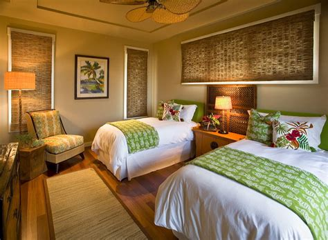 hawaiian cottage style tropical bedroom hawaii by design interiors inc - Tropical Bedroom Decorating Ideas