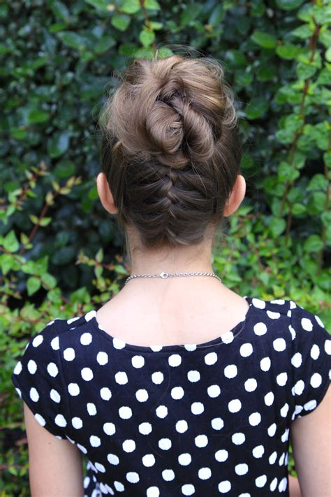 HD wallpapers cute hairstyles using claw clips