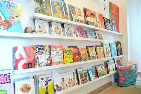 chambre de fille de 11 ans un mur de livres la bibliothèque des enfants ritalechat