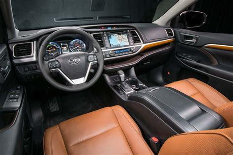 toyota highlander interior 2017 toyota highlander hybrid limited platinum interior 02