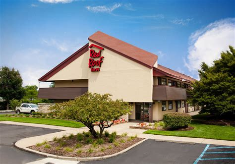 Red Roof Inn® Detroit Warren Metal Roof Edge Trim Water Leak In Measuring Pitch Itchy Of Mouth Red Inn Johnson City Tn Los Angeles Roofing Preston Highway Louisville Ky Thule Rack With Fairing