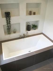 baignoire encastree et niches de rangement dans salle de With salle de bain design avec grande vasque à encastrer