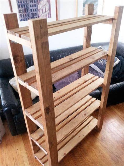 diy repurposed pallet bookcase  pallets