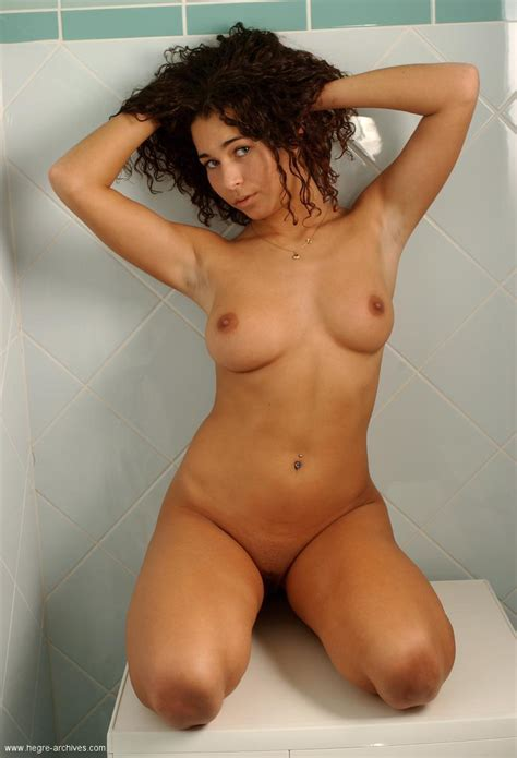 Cute Girl With Curly Hair And Appetizing Body Zalina