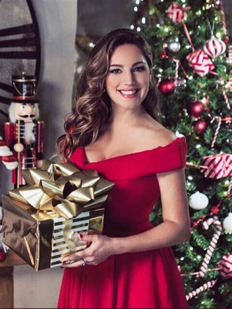 Wow Kelly Brook Strips Completely Naked In Sexy Festive Snap