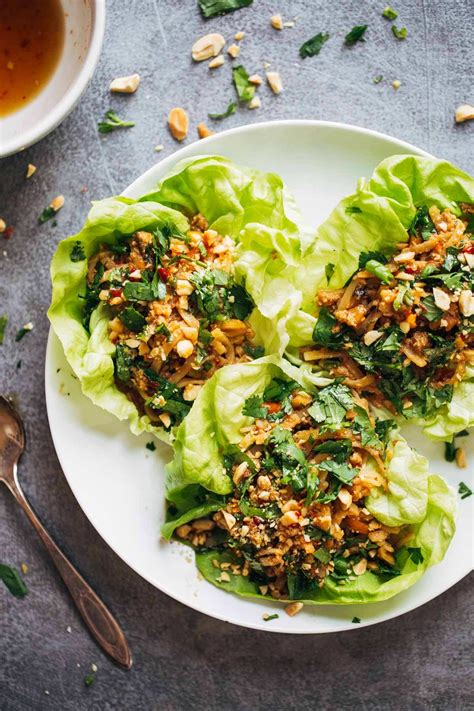peanut chicken lettuce wraps  ginger garlic sauce