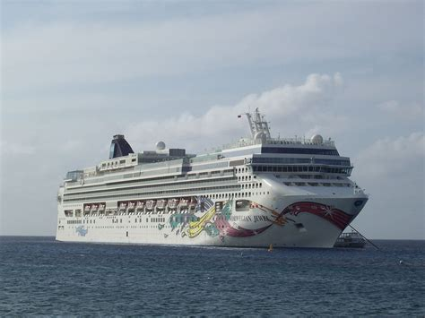 Jewel-class Cruise Ship - Wikipedia