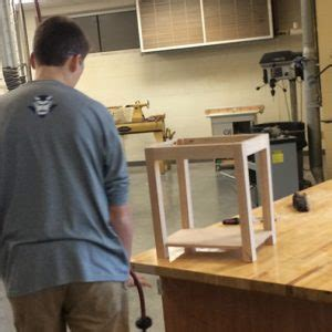 woodshop continues  draw interest  students
