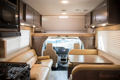 winnebago minnie winnie motor home class  rental