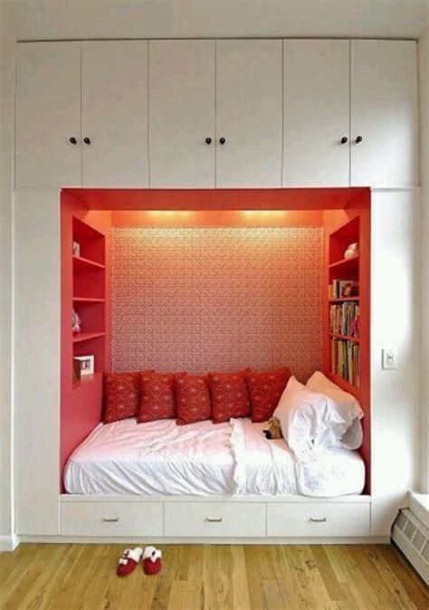 bedroom solutions for small rooms practical storage solutions for small bedrooms interior 18208 | Practical Storage Solutions for small Bedrooms 71
