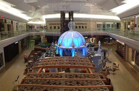 fair oaks mall   ice palace aardvark concepts