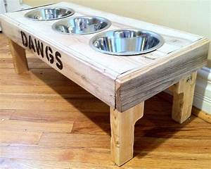 Reclaimed rustic pallet furniture dog bowl stand pet feeding for Dog bowl furniture