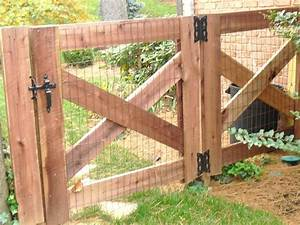25 best ideas about pallet gate on pinterest dream baby for Outside dog fence ideas