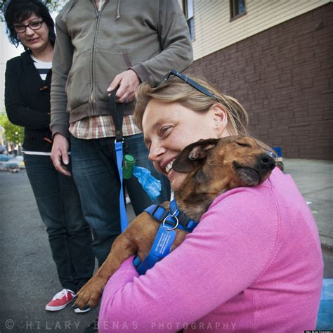 One-Eyed Dachshund Hasn't Forgotten His Rescuer (PHOTOS)