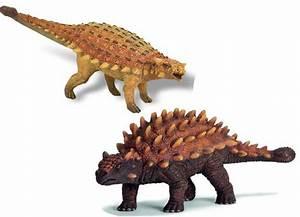 Bullyland Ankylosaurus v Schleich Saichania
