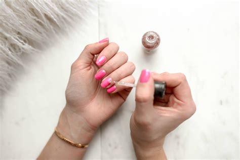 Dip vs Gel vs Acrylic Nails – Pros and Cons - UV Hero