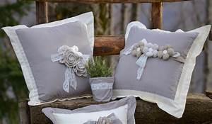 I consigli per scegliere cuscini country chic adatti alla tua casa