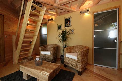 hotel avec dans la chambre a intérieur cabane domme
