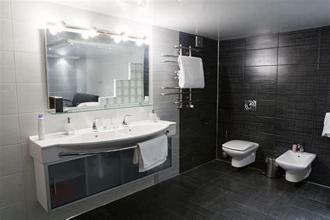 tegels badkamer zwart wit badkamer voorbeelden zwart wit 22 badkamer foto s