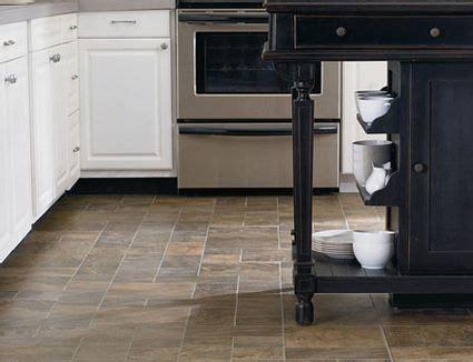 guide  laminate flooring water  damage repair