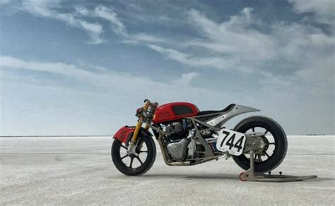 Royal Enfield Continental Gt 650 Modification by Royal Enfield Continental Gt 650 Hits 241 Kmph At