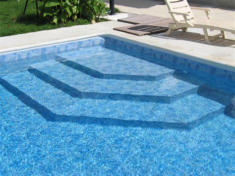 escaliers piscine escalier sous liner et escalier piscine monobloc installateur de piscine