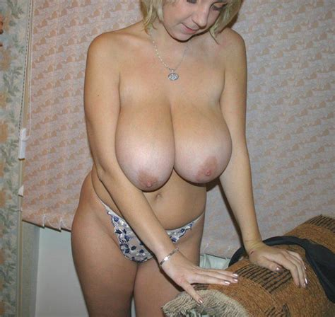 Amateur blonde with really big boobs | Russian Sexy Girls