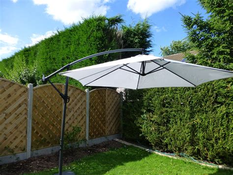 Cantilever Patio Umbrellas Uk by Uk Gardens 3m Grey Cantilever Hanging Garden Parasol