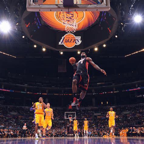 lebron james nba basketball dunk wallpaper