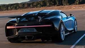 2017 Bugatti Chiron | Caricos.com