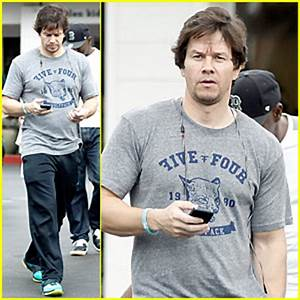 Mark Wahlberg's Father, Donald, Dies | Donnie Wahlberg ...