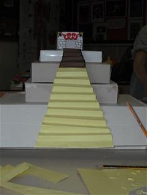 desarrollo plano de  piramide escalonada de zoser