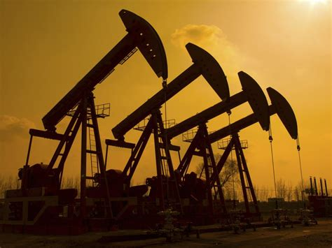 Pioneer Natural Resources Company (NYSE:PXD), EOG ...