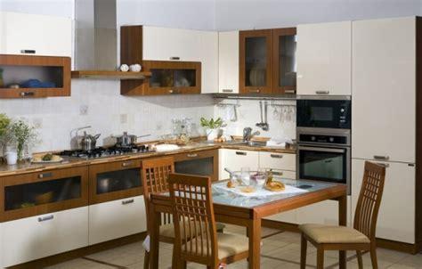 kitchen cabinets two colors mobila de bucatarie in doua culori fronturi albe si lemn 6429