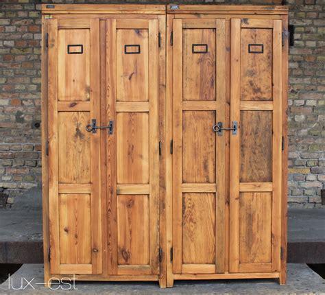 Spinde Aus Holz by Quot Brandenburg I Quot Industriedesign Spind Holz Vintage Est