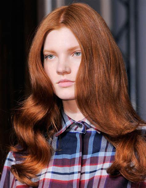 coiffure de soirée coiffure soir 233 e wavy 40 coiffures de soir 233 e cool ou sophistiqu 233 es