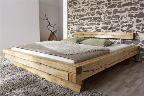 SAM® Balkenbett Wildeiche massiv 200 x 200 cm