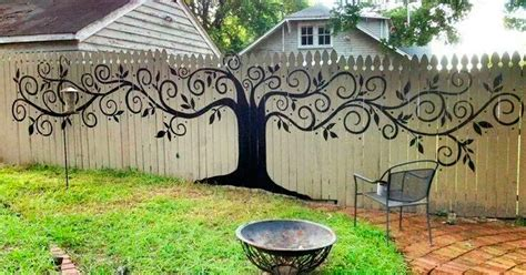 Backyard Fence Decor - 15 who took their backyard fences to another level