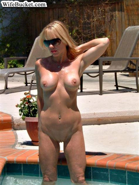 Real Submitted Pics Of amateur Housewives From Nextdoor