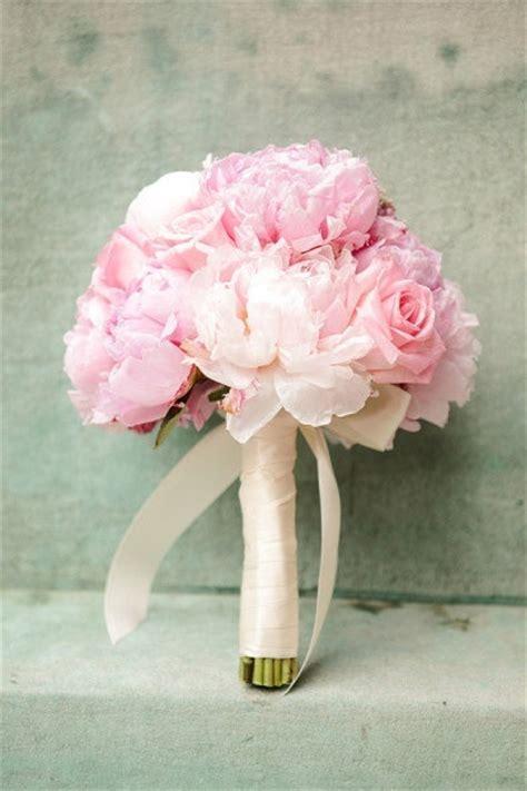 pink wedding flowers pink wedding bouquet invitesweddings