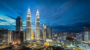8 Petronas Towers HD Wallpapers