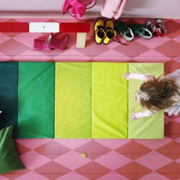 chambre d enfant quel cirque chez ikea tapis de sol pliant plufsig d 233 co plurielles fr