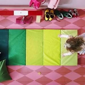 chambre d39enfant quel cirque chez ikea tapis de sol With tapis sol enfant